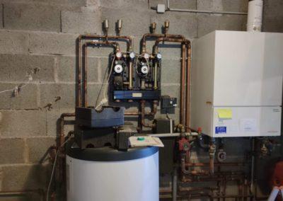 Installation-dune-pompe-a-chaleur-mixte-NIBE-en-remplacement-dune-chaudiere-gaz-400x284